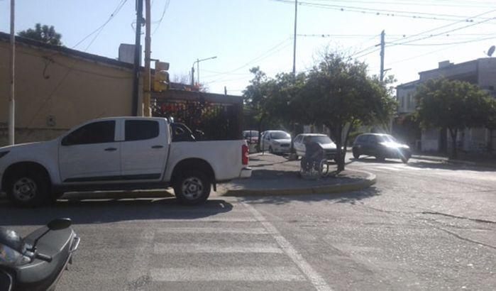 vehiculo-mal-estacionado-monteros