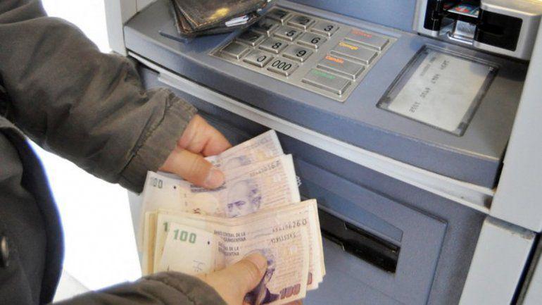 La semana que viene, los estatales tendrán depositado el bono de $ 15.000